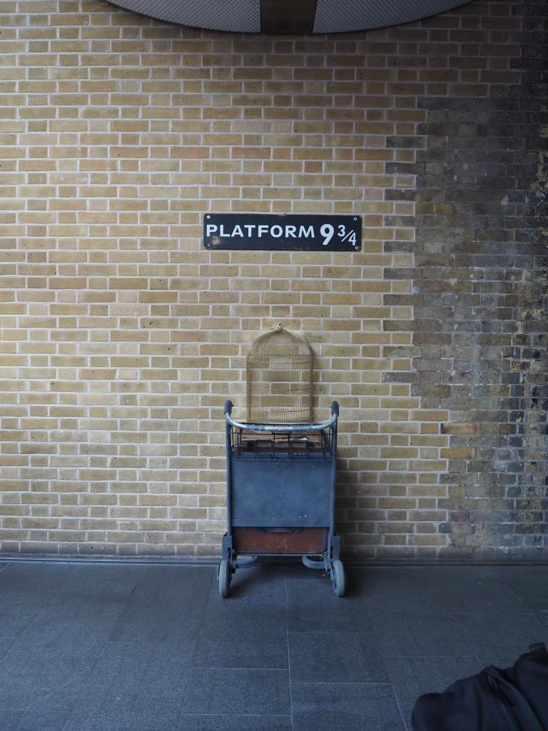 Harry Potter Platform 9 3/4 King's Cross