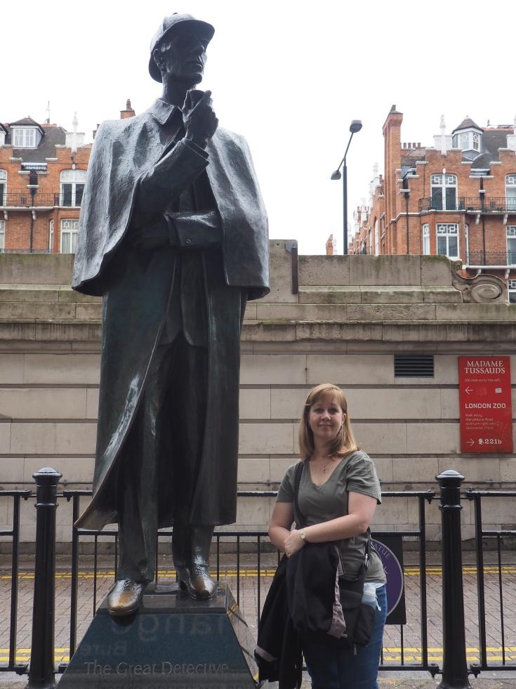 Sherlock Holmes statue The Great Detective 221b Baker Street London